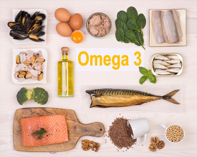 オメガ3の文字と食品の画像